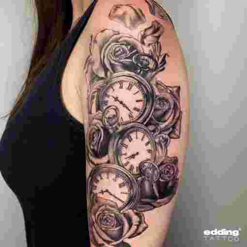 Tattoo Uhren Rosen Black & Grey Oberarm